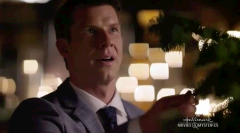 Eric Mabius as Oliver O'Toole in Signed, Sealed, Delivered: For Christmas