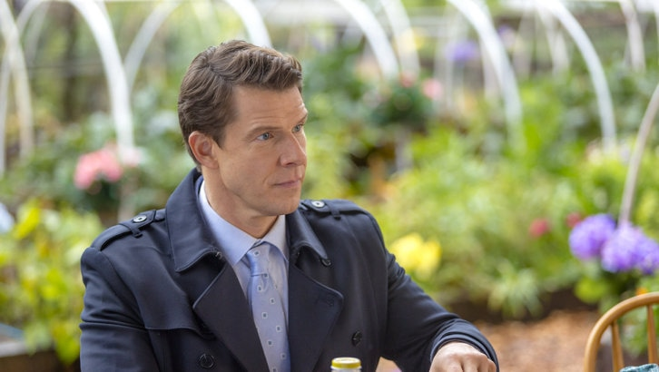 Eric Mabius as Oliver O'Toole in Signed, Sealed, Delivered: Higher Ground