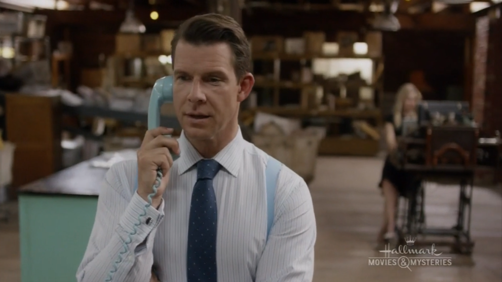 Oliver makes a phone call in Signed, Sealed, Delivered: Home Again