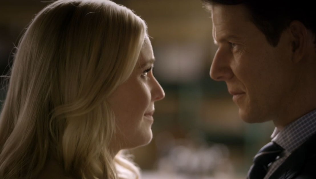 Kristin Booth as Shane Mcinnerney and Eric Mabius as Oliver O'Toole in Signed, Sealed, Delivered: Higher Ground