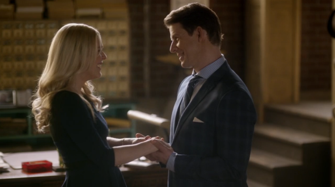 Kristin Booth as Shane McInerney and Eric Mabius as Oliver O'Toole in Signed, Sealed, Delivered: Higher Ground